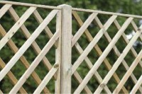 deluxe diamond trellis fence panel